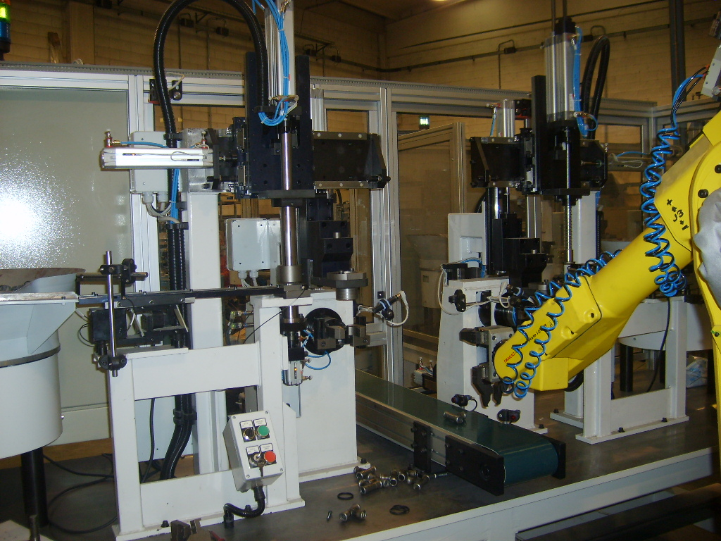 M T  ZANETTI Assembling System for Gaskets into Steel Press